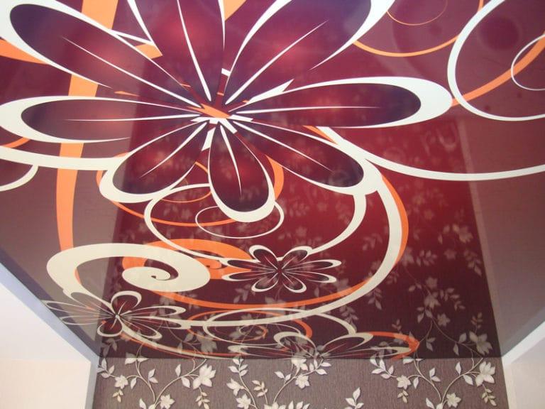 Натяжные потолки французские глянцевые цветочный узор