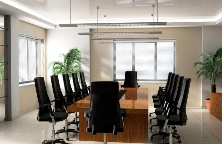 Натяжные потолки белые глянцевые с подсветкой для офиса