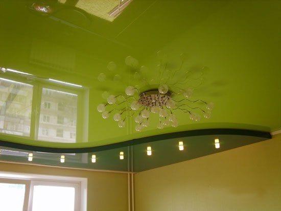 Натяжные потолки немецкие двухуровневые глянцевая поверхность зеленого цвета