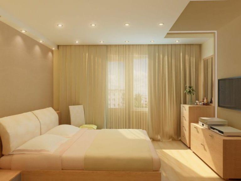 Натяжные потолки матовые одноуровневые бежевого цвета для спальни