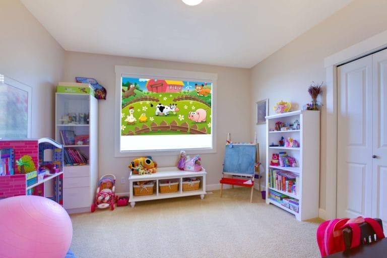 Натяжные потолки матовые одноуровневые белые для детской