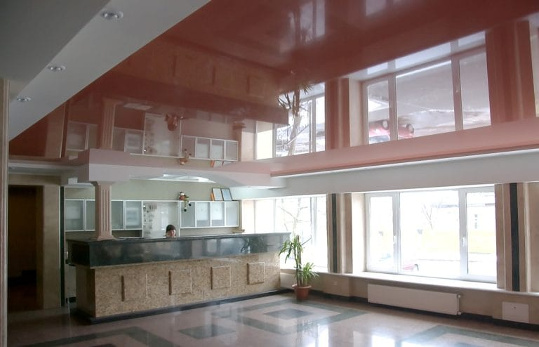 Натяжные потолки коричневые глянцевые для офиса
