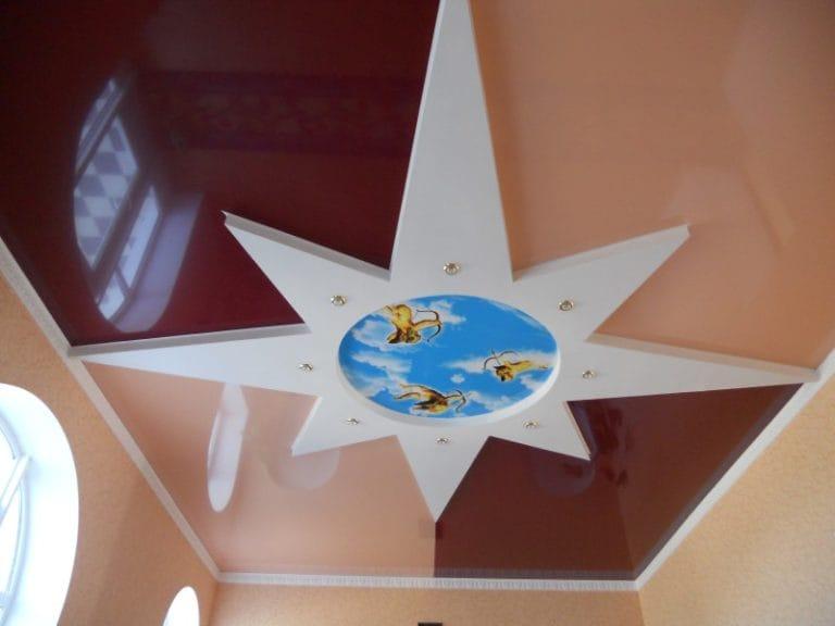 Натяжные потолки комбинированные глянцевые