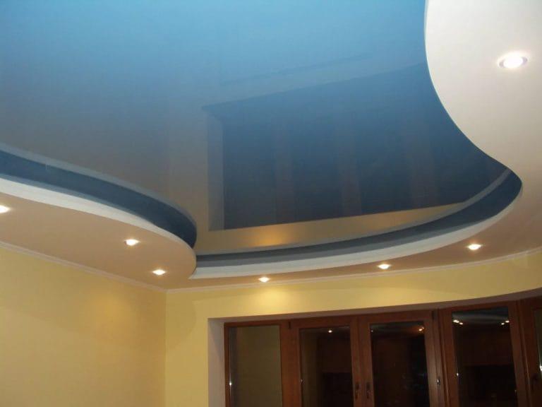 Натяжные потолки французские глянцевые голубого цвета