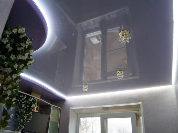 Натяжные потолки глянцевые парящие двухуровневые