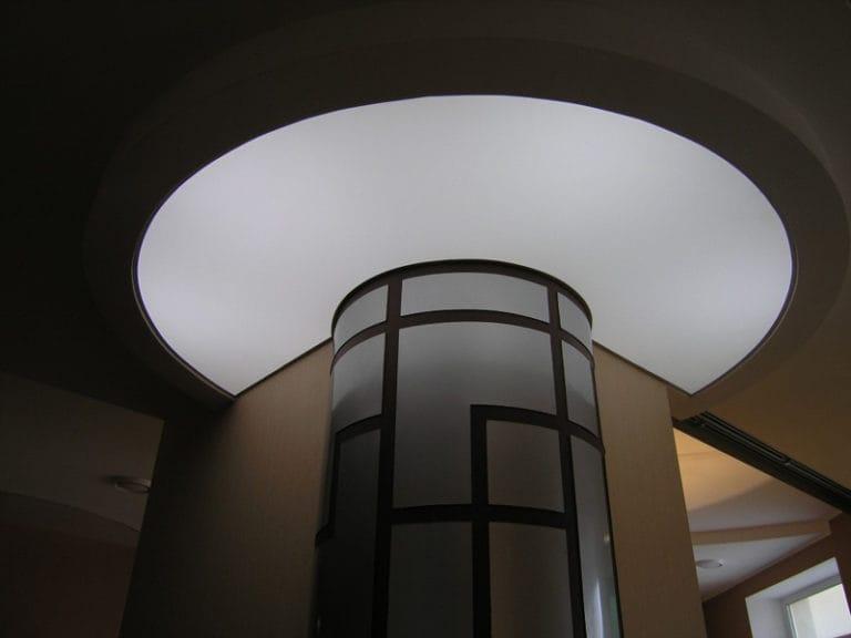 Натяжные потолки полупрозрачные многоуровневые белые