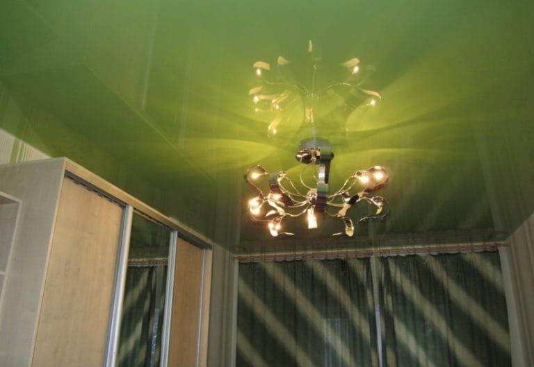 Натяжные потолки немецкие глянцевые зеленого цвета