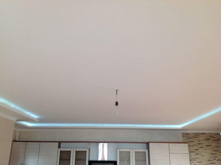 Натяжные потолки тканевые бежевые двухуровневые с подсветкой
