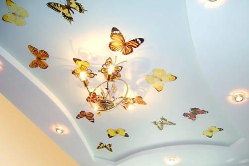Натяжные потолки фотопечать бабочки сатиновые двухуровневые