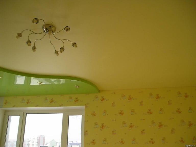 Натяжные потолки сатиновые двухуровневые зеленые