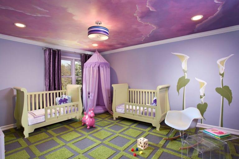 Натяжные потолки глянцевые розовые с подсветкой для детской