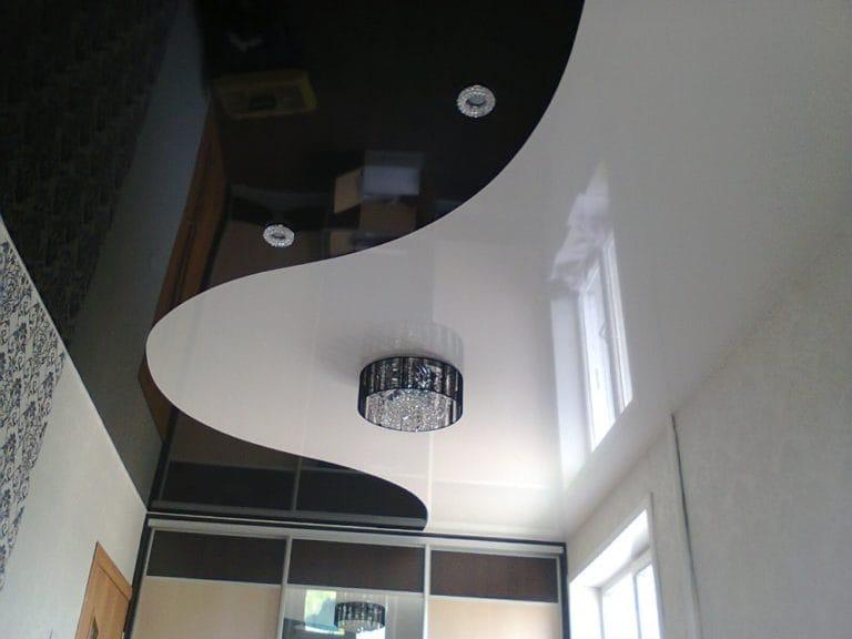 Натяжные потолки глянцевые комбинированные черно-белые