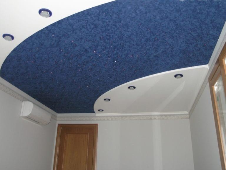 Натяжные потолки комбинированные тканевые синего цвета