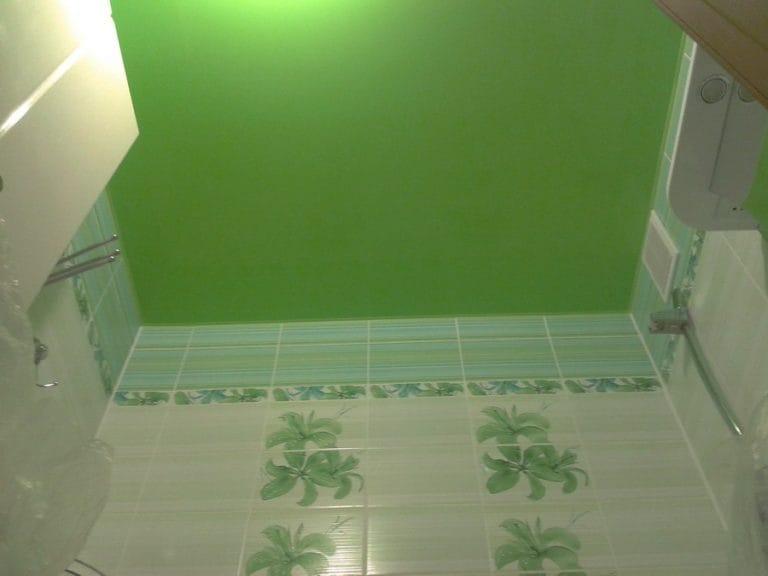 Натяжные потолки зеленные для ванной