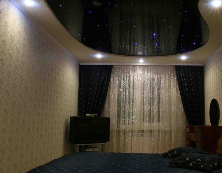 Натяжные потолки звездное небо двухуровневая конструкция для спальни