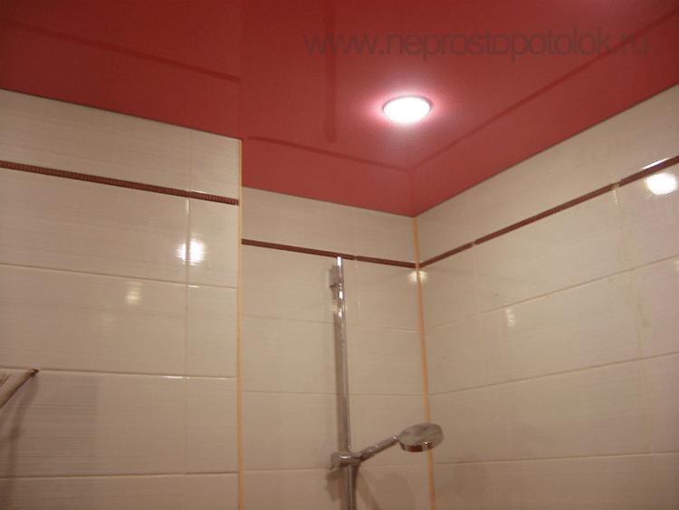 Натяжные потолки красные для ванной одноуровневые