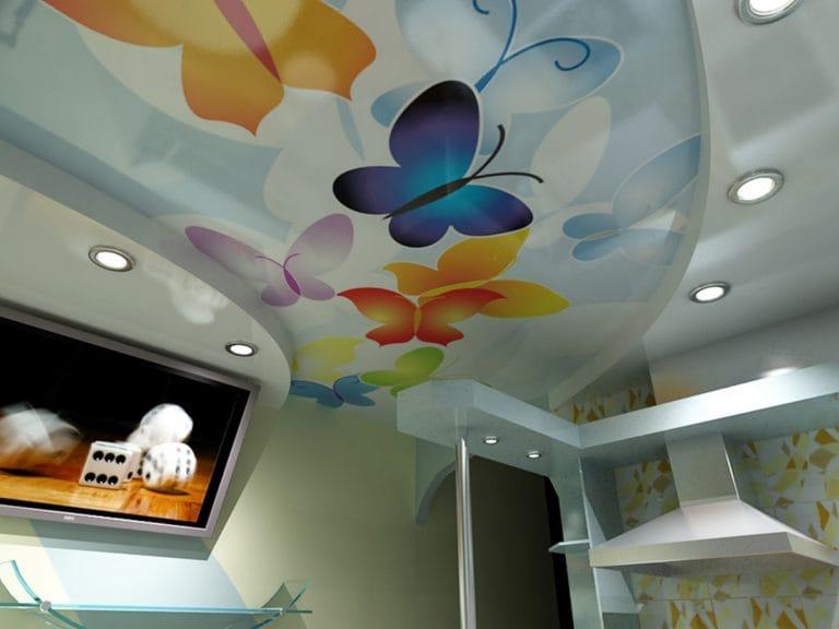 Натяжные потолки расписанные бабочками двухуровневые для кухни
