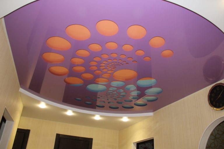 Натяжные потолки перфорированные глянцевые фиолетовые