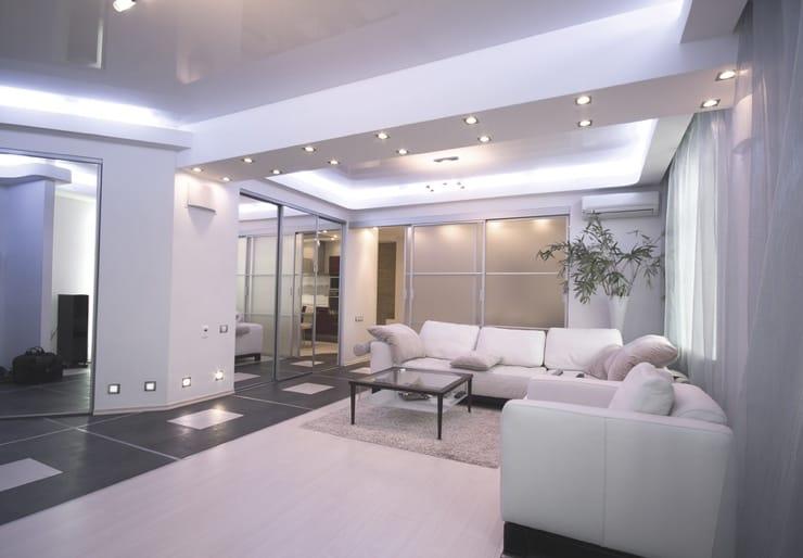 Натяжные потолки для зала глянцевые с подсветкой многоуровневые