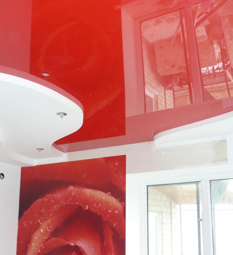 Натяжные потолки красные глянцевые двухуровневые